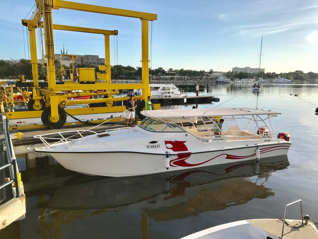 Tronqued Boats Interceptor 400RS Cuddy Cabin