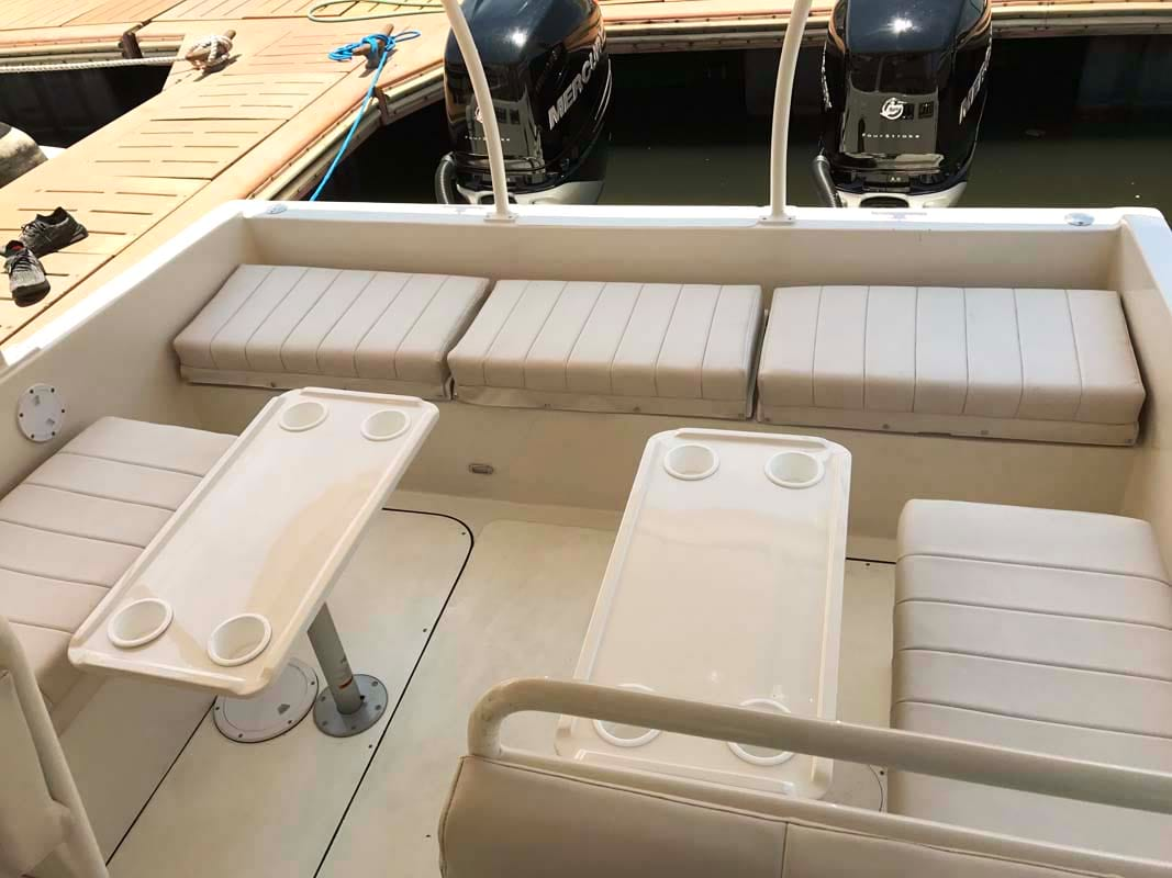 Tronqued Boats Interceptor 400RS Passenger Cabin